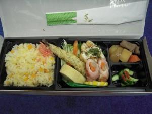 「花より団子」お弁当。彩り、配置、勿論お味もお見事です!